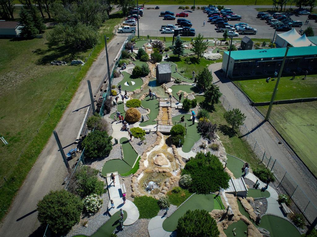 Lethbridge Mini Putt - Evergreen Golf Centre
